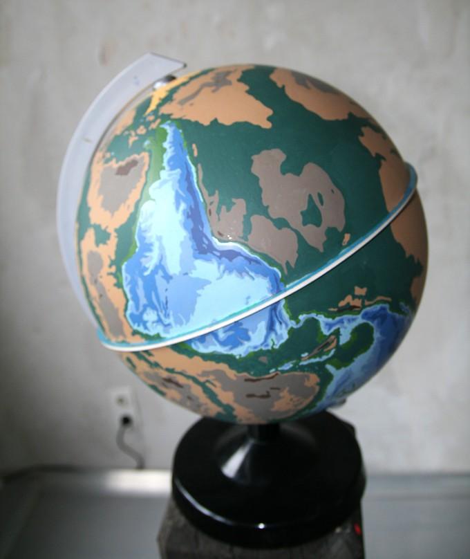 erkehrte Welt, mixed media (Foto: Andreas Körner)